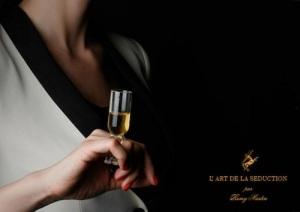 champagneglas-voor-om-je-vinger