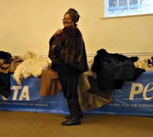 fur-coat-detroit-1024x915